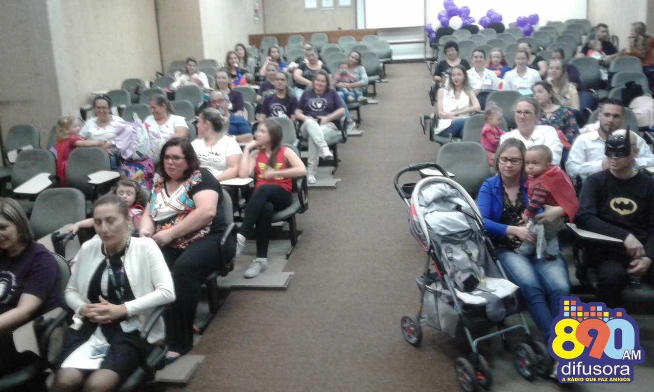 Hospital Tacchini promove o 2º Encontro dos Pequenos Heróis da UTI Neonatal