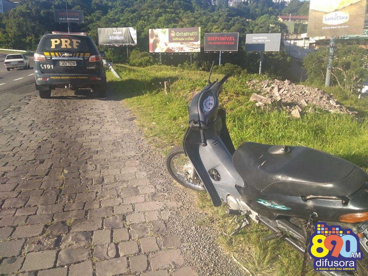 Motociclista fica ferida em acidente na BR-470 em Bento