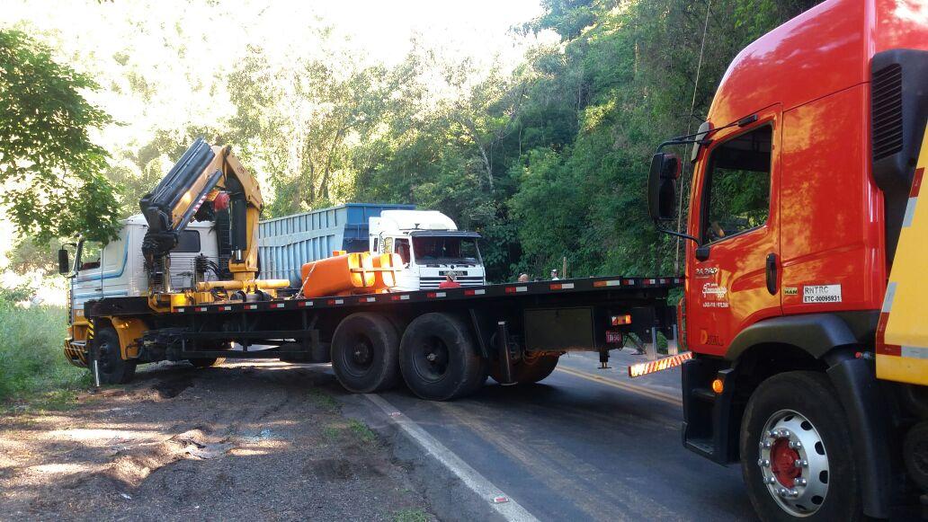 Após mais de 5h, liberado o trânsito na BR-470 na Serra das Antas em Bento