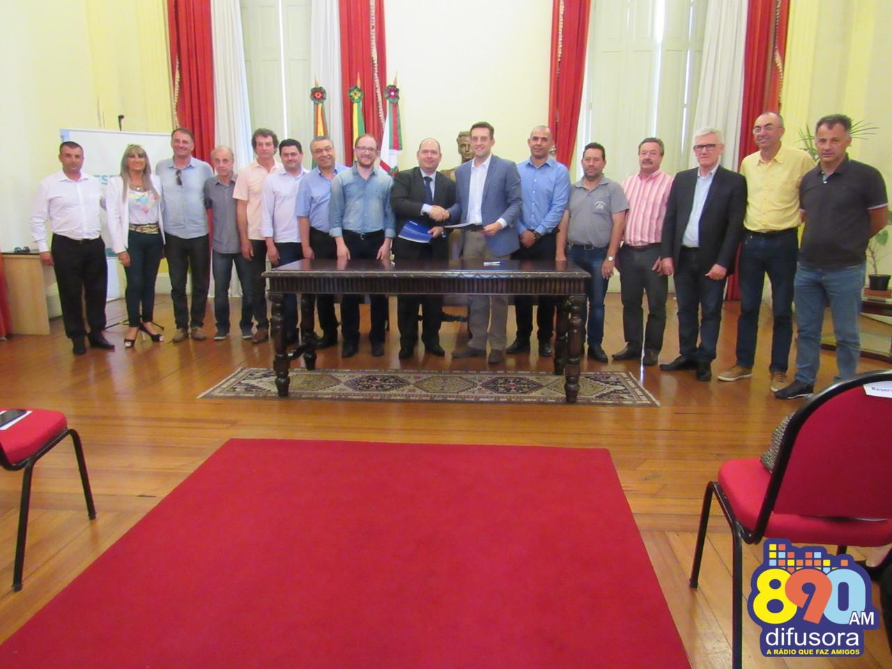 Prefeitura de Bento assina repasse de verbas de emendas parlamentares para o município