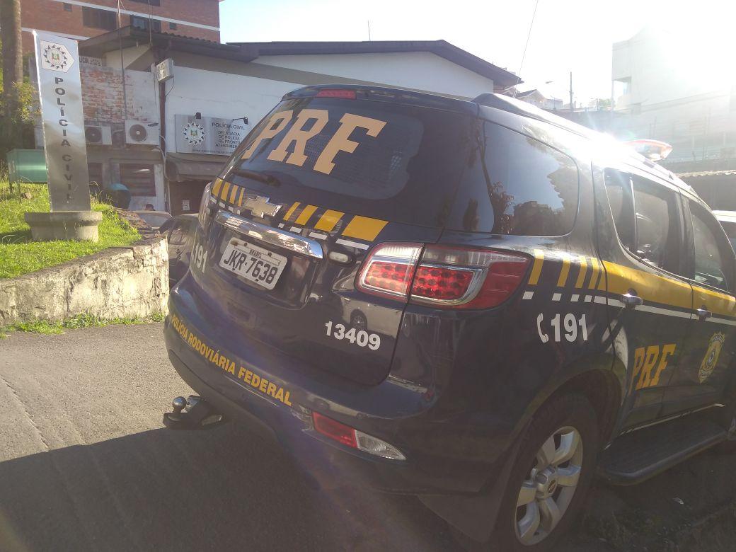 PRF prende homem por dirigir embriagado na BR 470