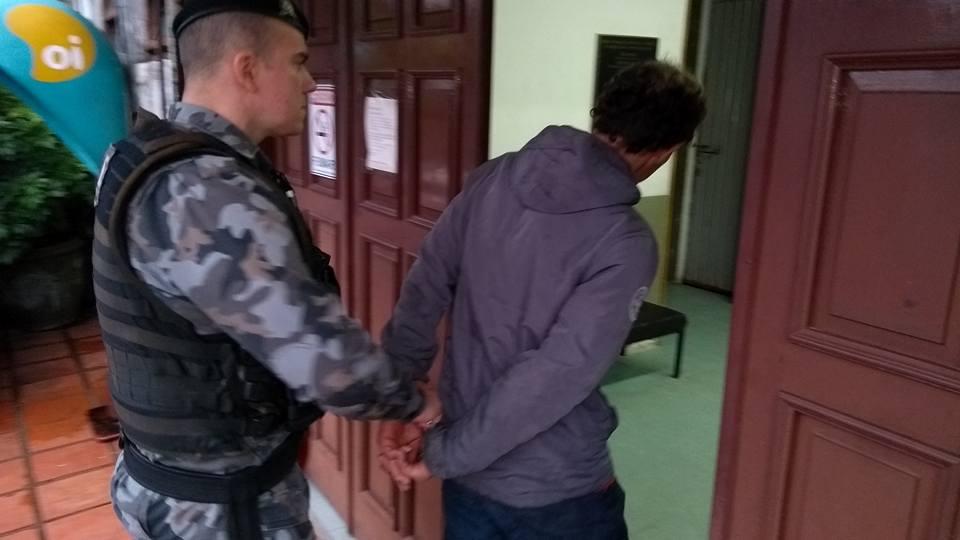 Homem preso por adulteração de veículo em Bento Gonçalves
