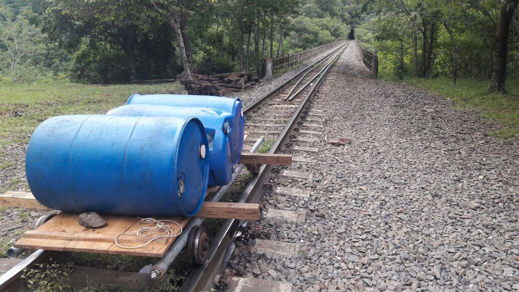 Tentativa de furto de óleo diesel em trem no interior de Bento