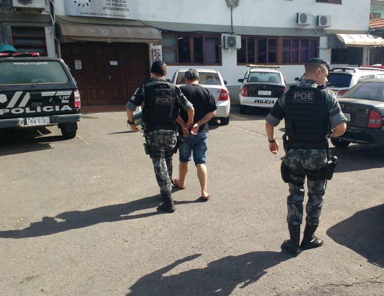 Após assalto, homem é preso em Bento