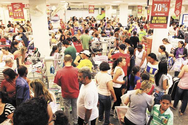 CNDL defende o fechamento geral do comércio de todo o Brasil
