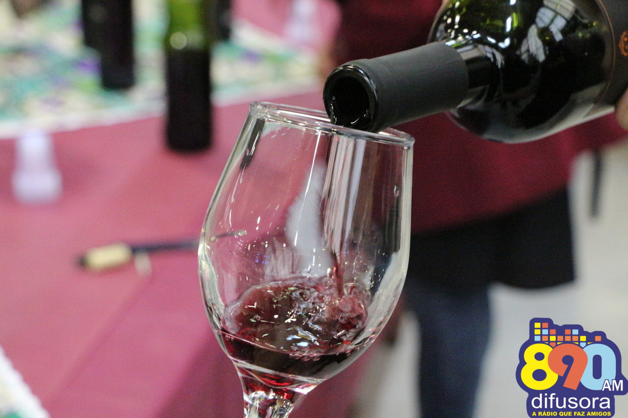 Especialista indica tipos de vinhos para harmonizações no inverno