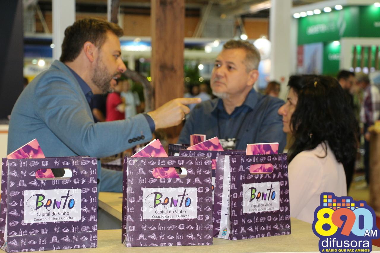 Bento e região Uva e Vinho celebram participação no 30º Festuris em Gramado