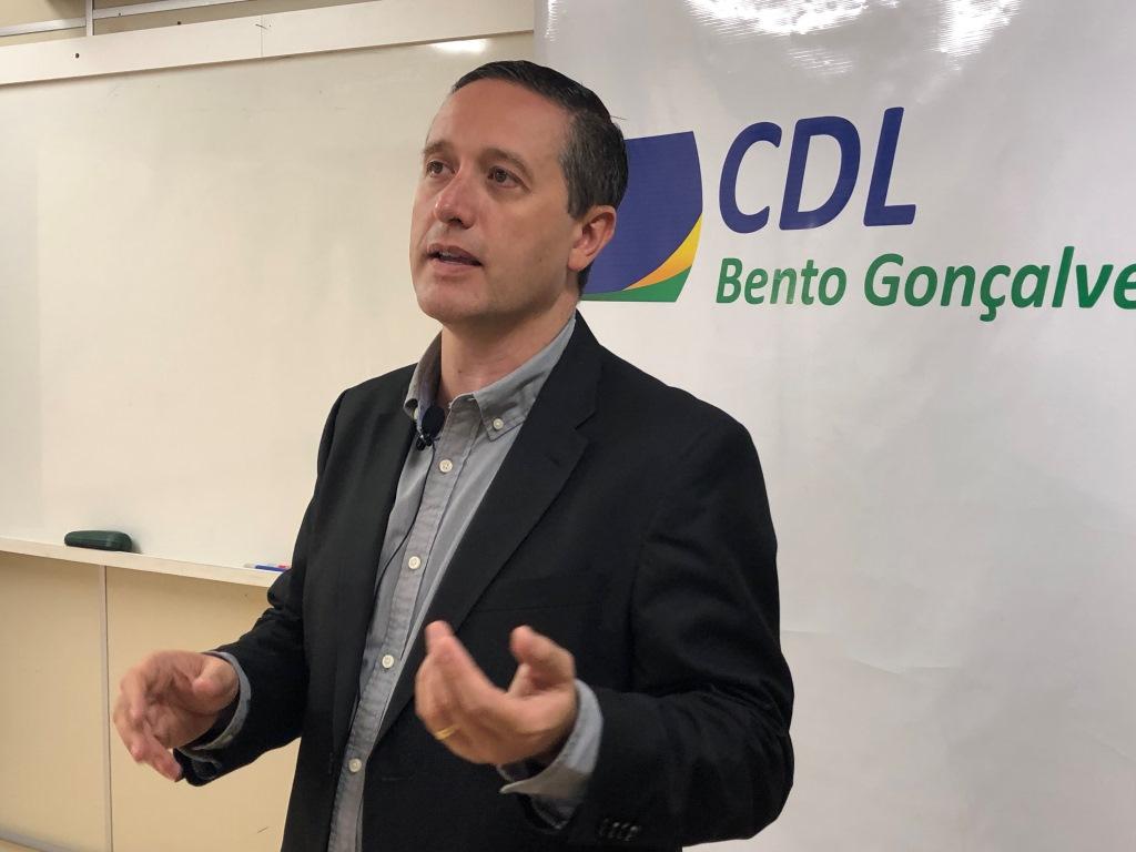 CDL-BG celebra retorno à bandeira laranja e pede responsabilidade aos lojistas na retomada das atividades