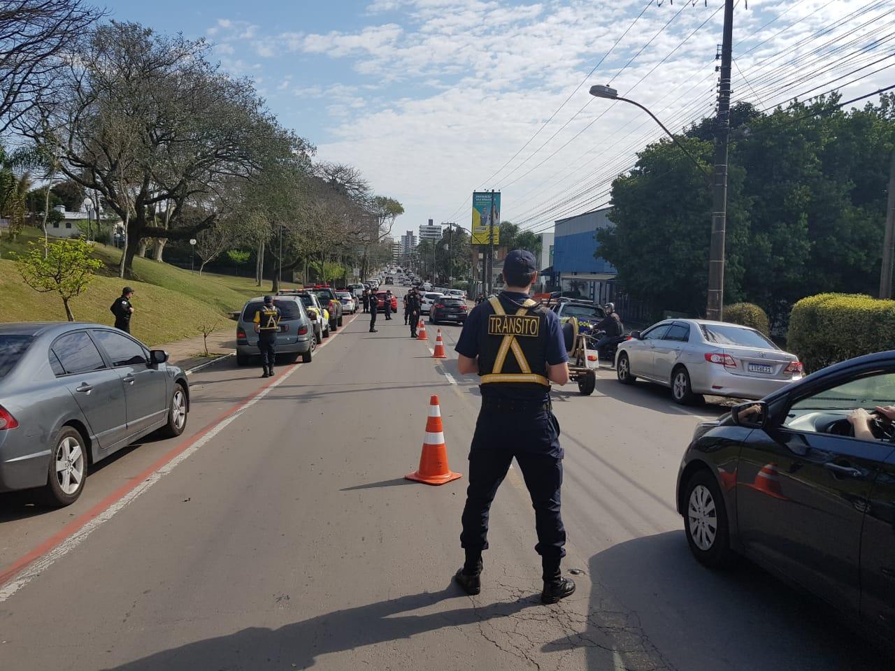 DMT e GCM realizam fiscalização no bairro Planalto em Bento