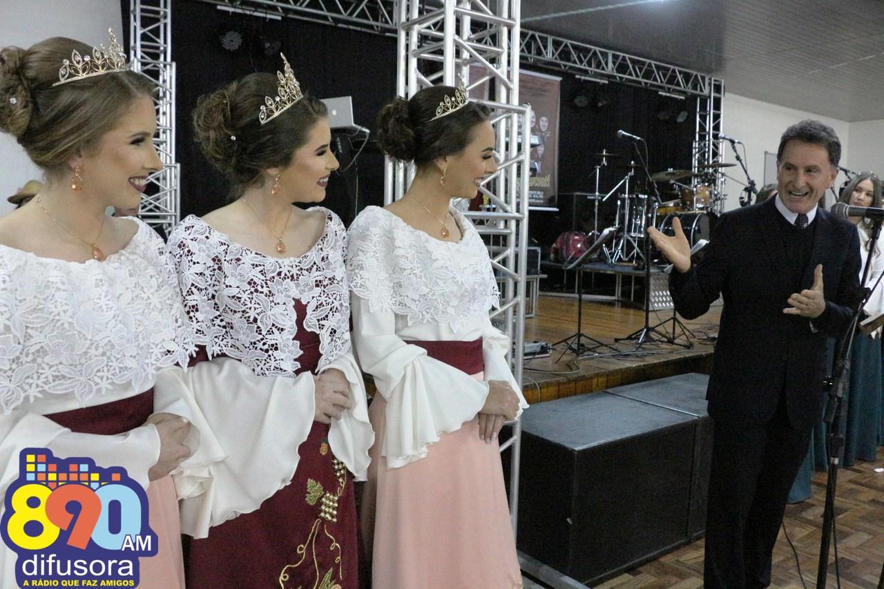 Apresentados os trajes das soberanas da V Festa do Pêssego de Pinto Bandeira