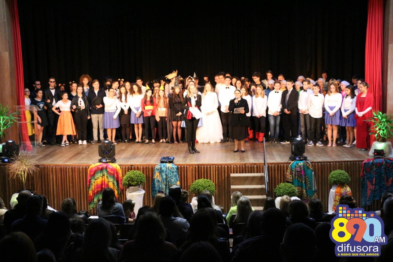 Espetáculo do Colégio Sagrado Coração de Jesus angaria fundos para famílias em Moçambique