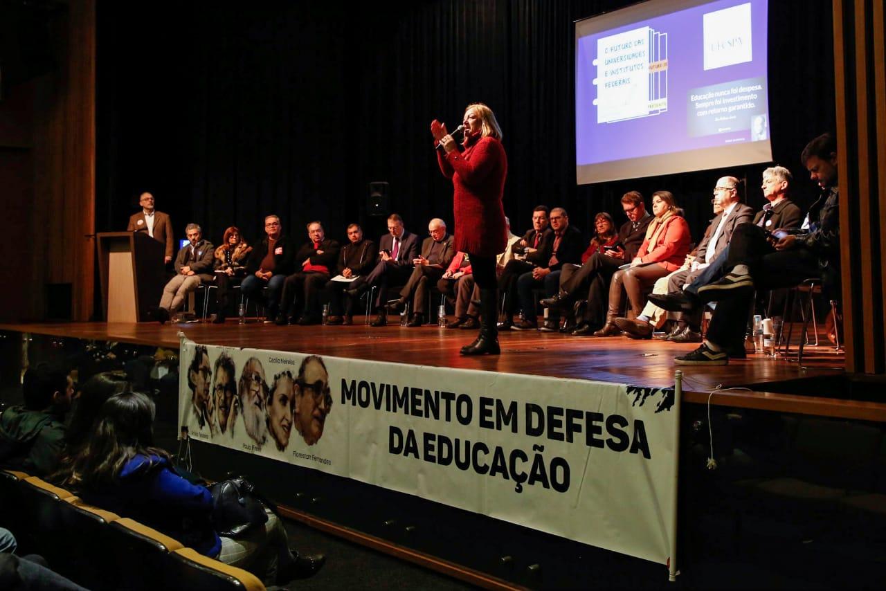 """No Dia em Defesa da Educação, painel discute o """"Futuro das Universidades e Institutos Federais"""""""