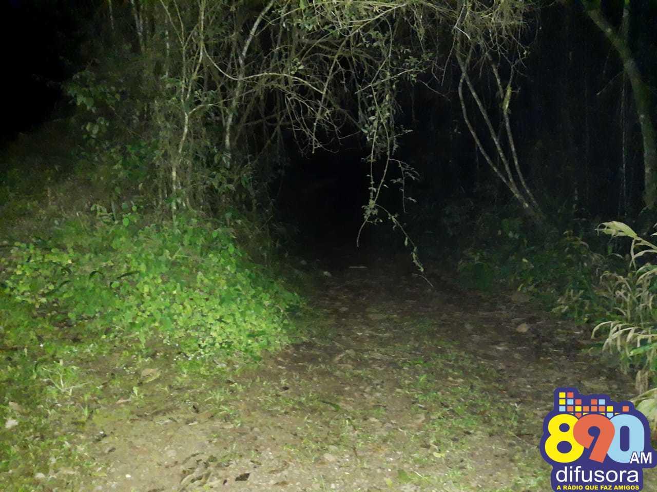 Homem é encontrado morto a tiros e com as mãos amarradas no Vale Aurora em Bento