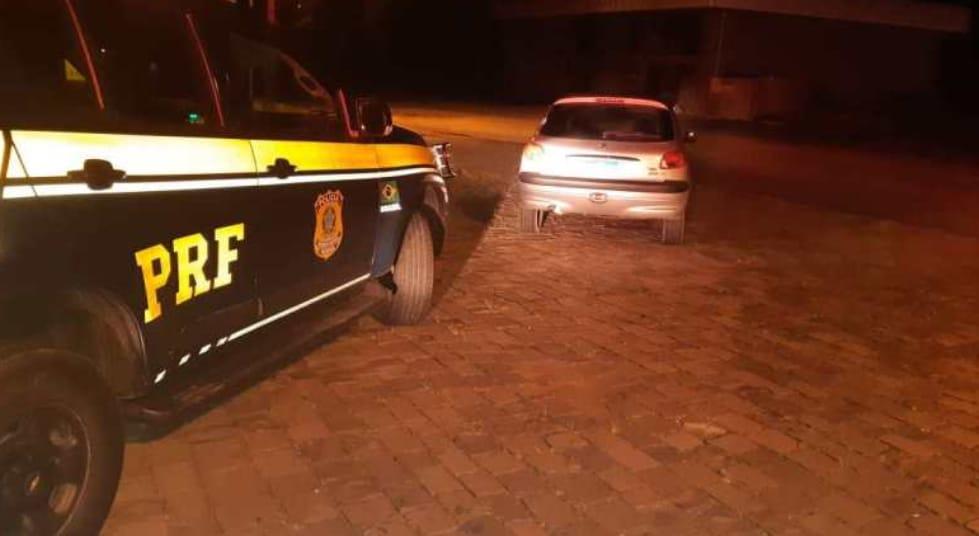 Veículo roubado em Garibaldi é recuperado pela PRF na BR-470 em Bento