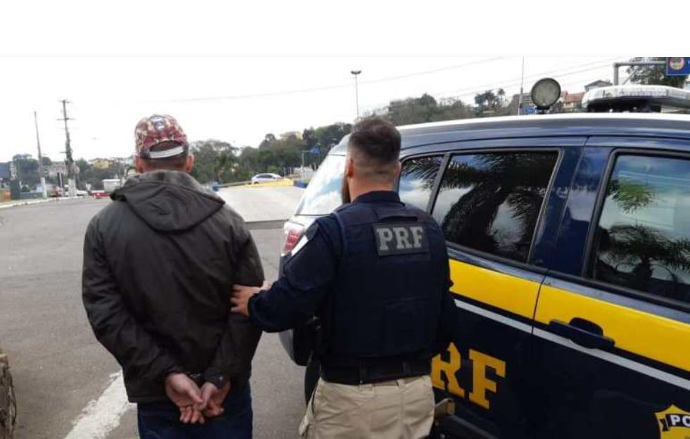 PRF prende condutor embriagado após fuga de abordagem na BR-470 em Bento