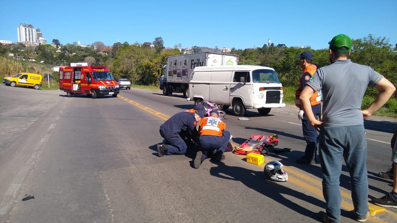 Mulher fica ferida em acidente na BR-470 em Bento