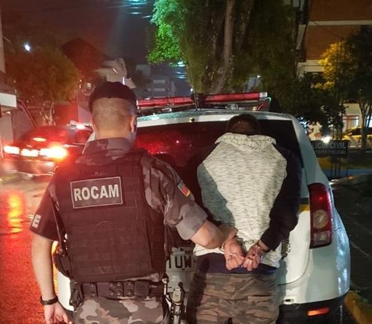 POE prende homem por tráfico de drogas no Conceição em Bento