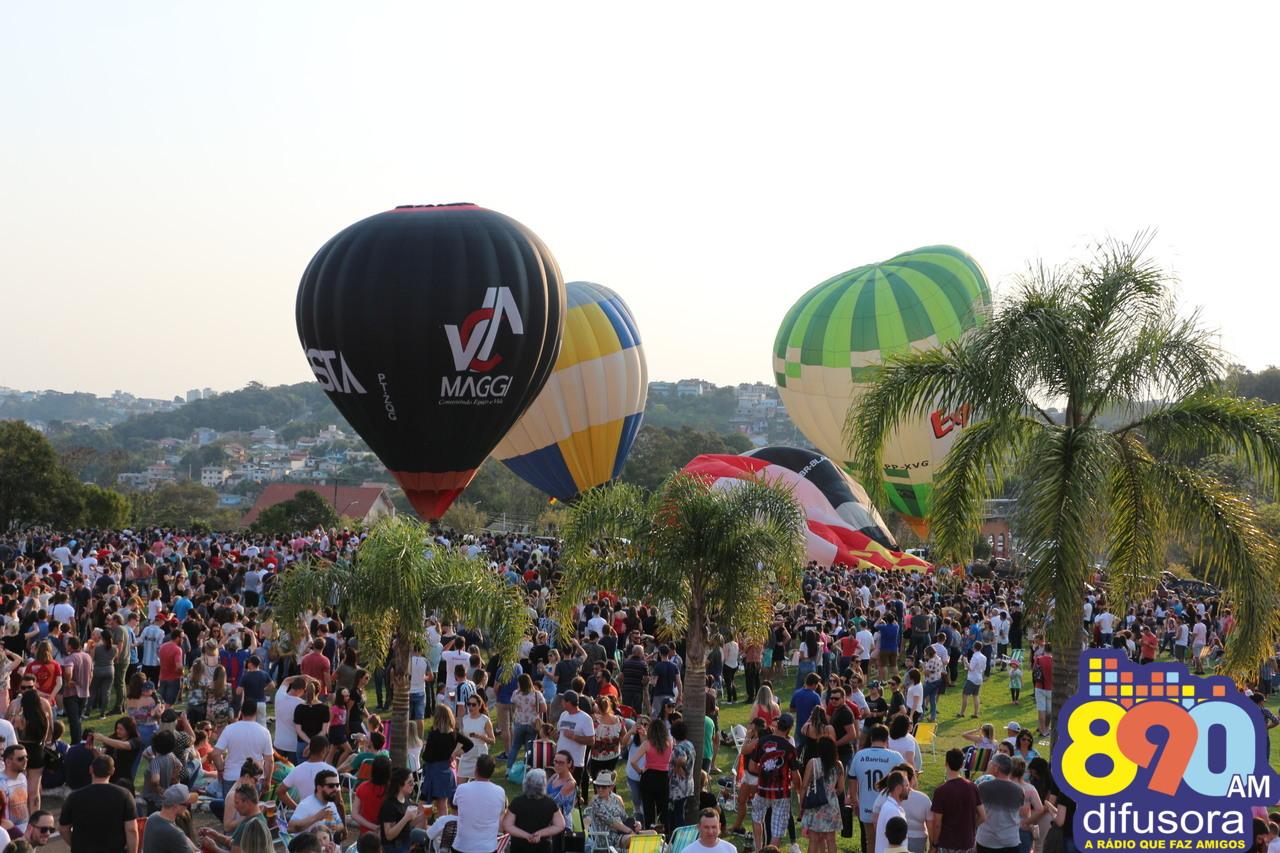 Festival de Balonismo reúne cerca de 20 mil pessoas em Bento