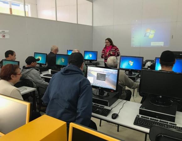 Usuários do CAPS II concluem curso de informática dia 18 em Bento