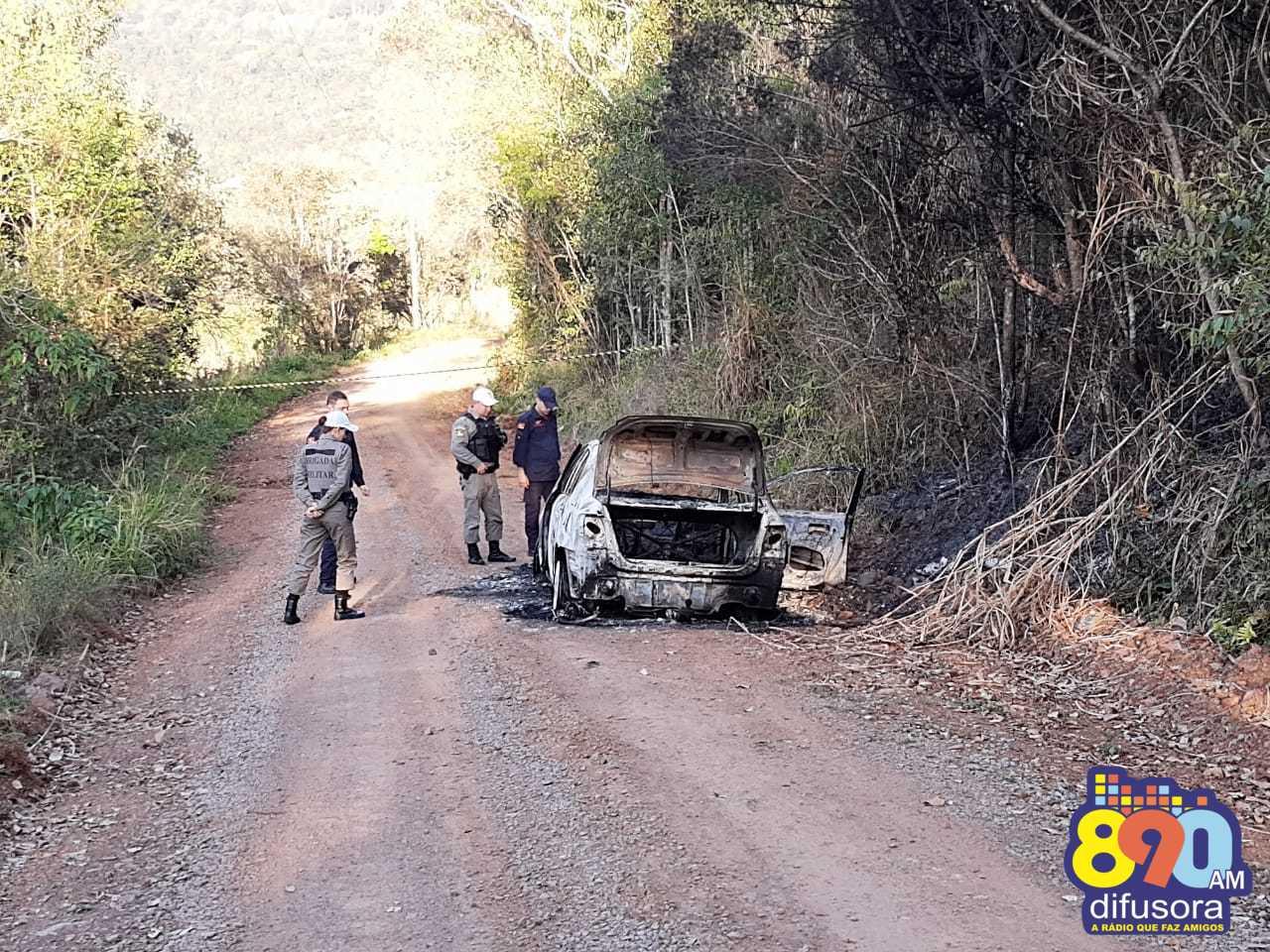 Identificado homem encontrado morto em veículo incendiado no interior de Bento