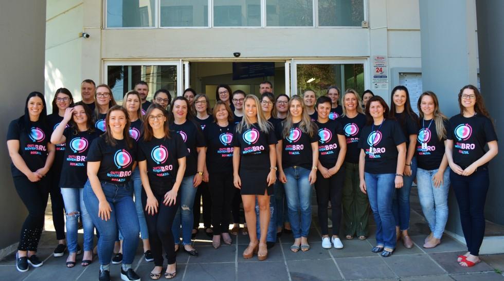 Servidores municipais apoiam o movimento Outubro Rosa e Novembro Azul em Carlos Barbosa