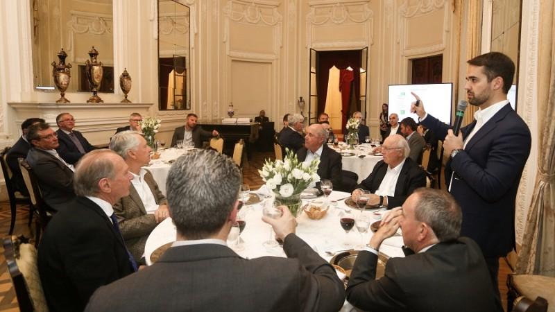 Leite apresenta reforma estrutural do Estado a lideranças e presidentes de entidades empresariais
