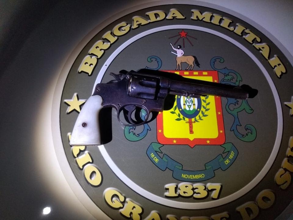 Arma apreendida pela Brigada pode ser de indivíduo que fugiu de abordagem em Bento