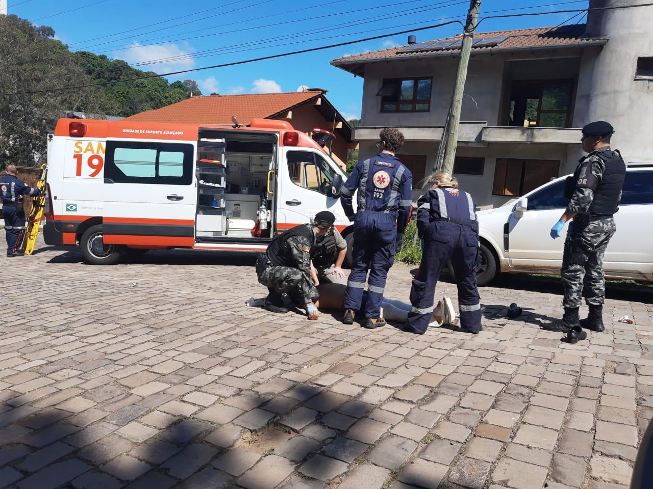 Após briga, dois homens ficam feridos no bairro Vinhedos em Bento