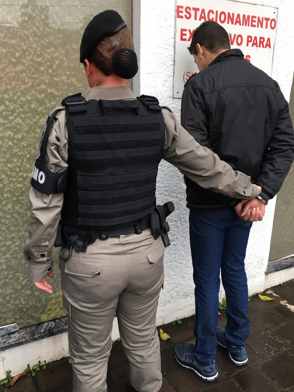 Foragido da Justiça é recapturado no bairro Borgo em Bento