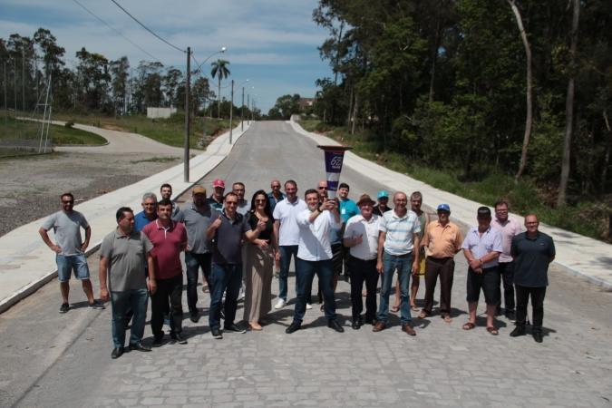 Pavimentação da Rua Severo Giacomello é entregue para comunidade em Bento