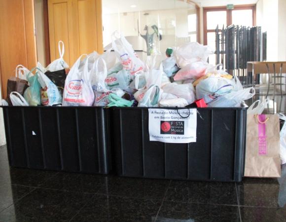 Festa Nacional da Música arrecada cerca de 5,5 toneladas de alimentos em Bento