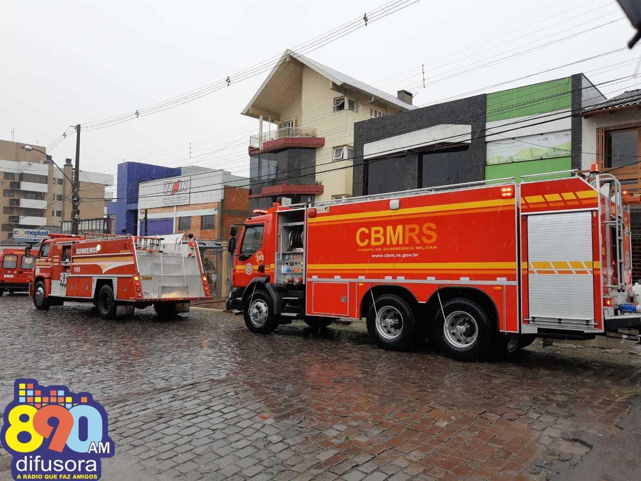 Bombeiros atendem princípio de incêndio no Cidade Alta em Bento