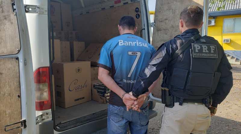 PRF apreende furgão carregado com cigarros contrabandeados do Paraguai