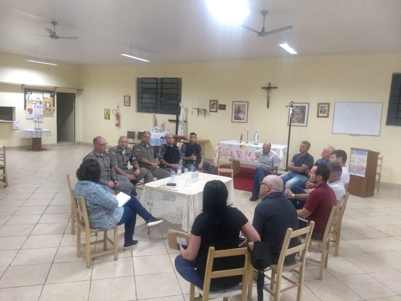 Comando do 3º BPAt se reúne com lideranças comunitárias em Bento
