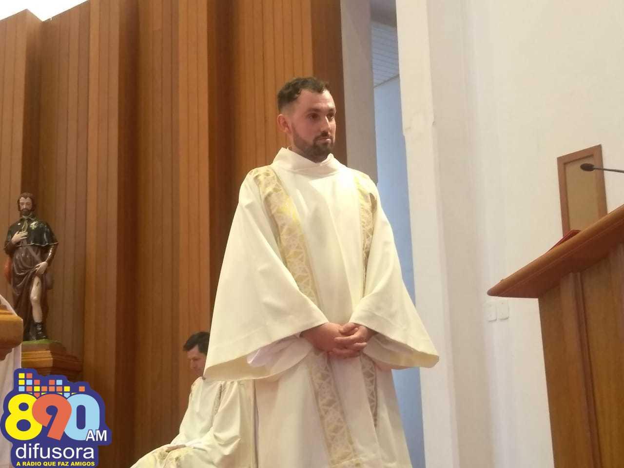 Realizada a ordenação diaconal de Miguel Mosena na Paróquia São Roque em Bento