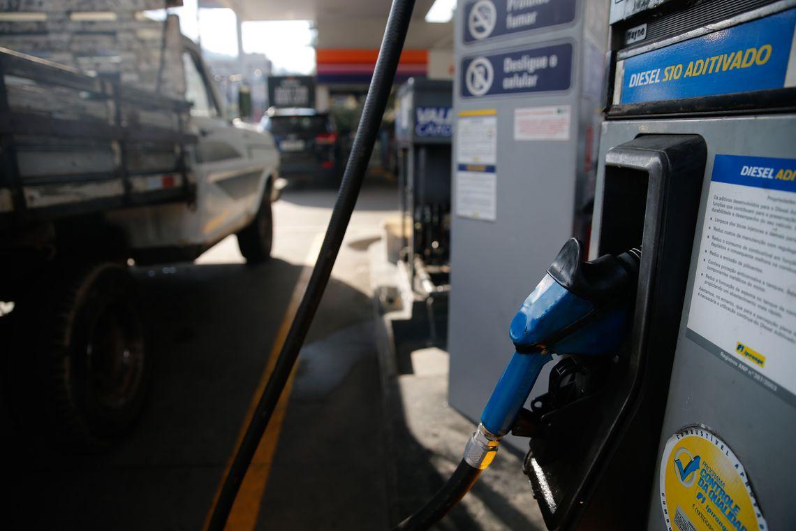 ANP e Procon realizam fiscalização em postos de gasolina de Bento