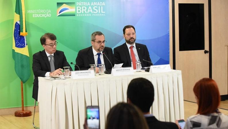 Pisa 2018 revela baixo desempenho escolar em Leitura, Matemática e Ciências no Brasil