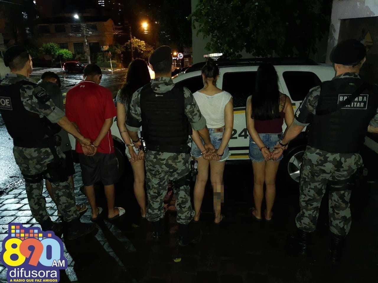 POE prende cinco pessoas por tráfico de drogas em Garibaldi