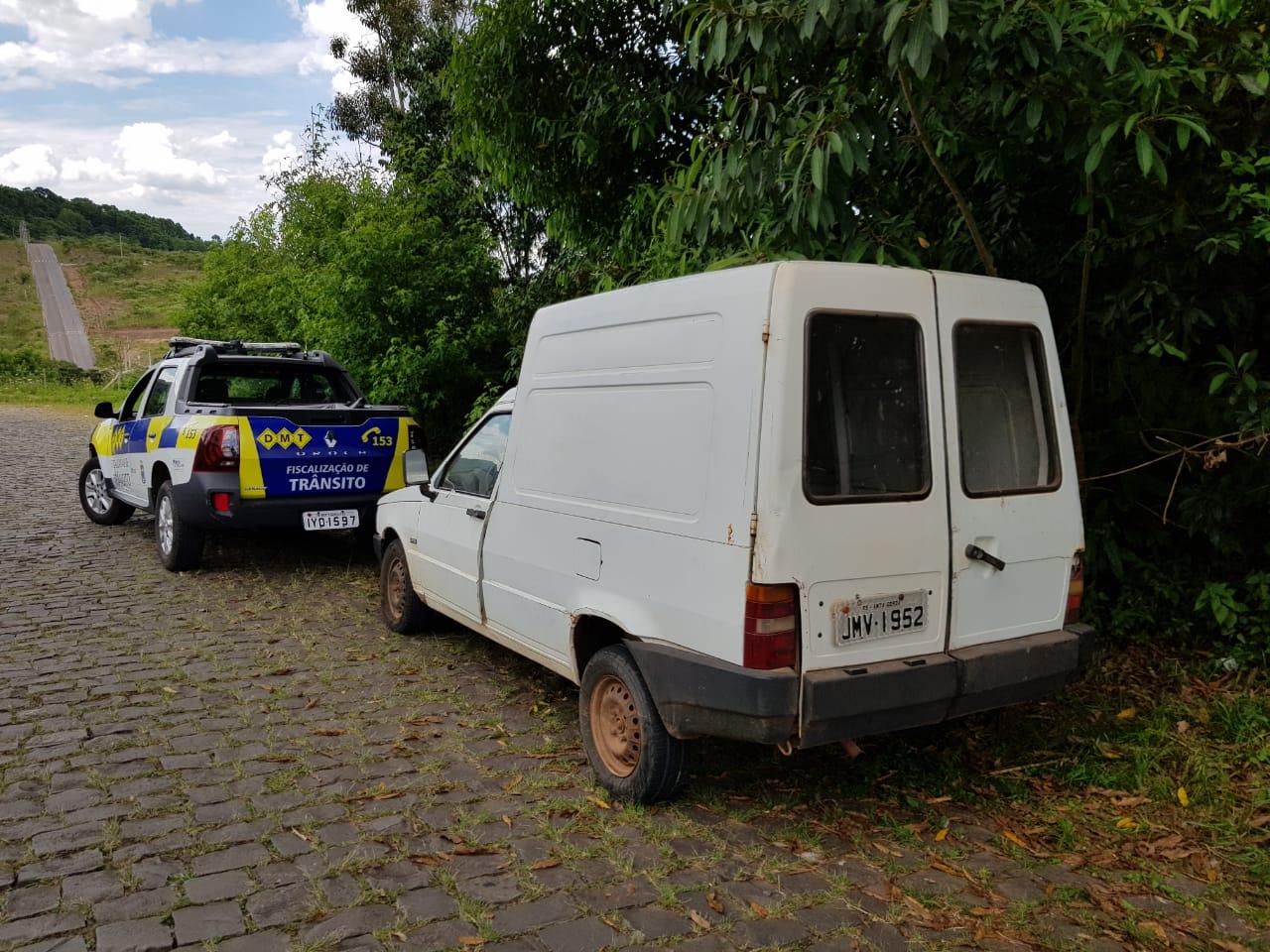 Agentes do DMT localizam veículo em condição de furto/roubo em Bento
