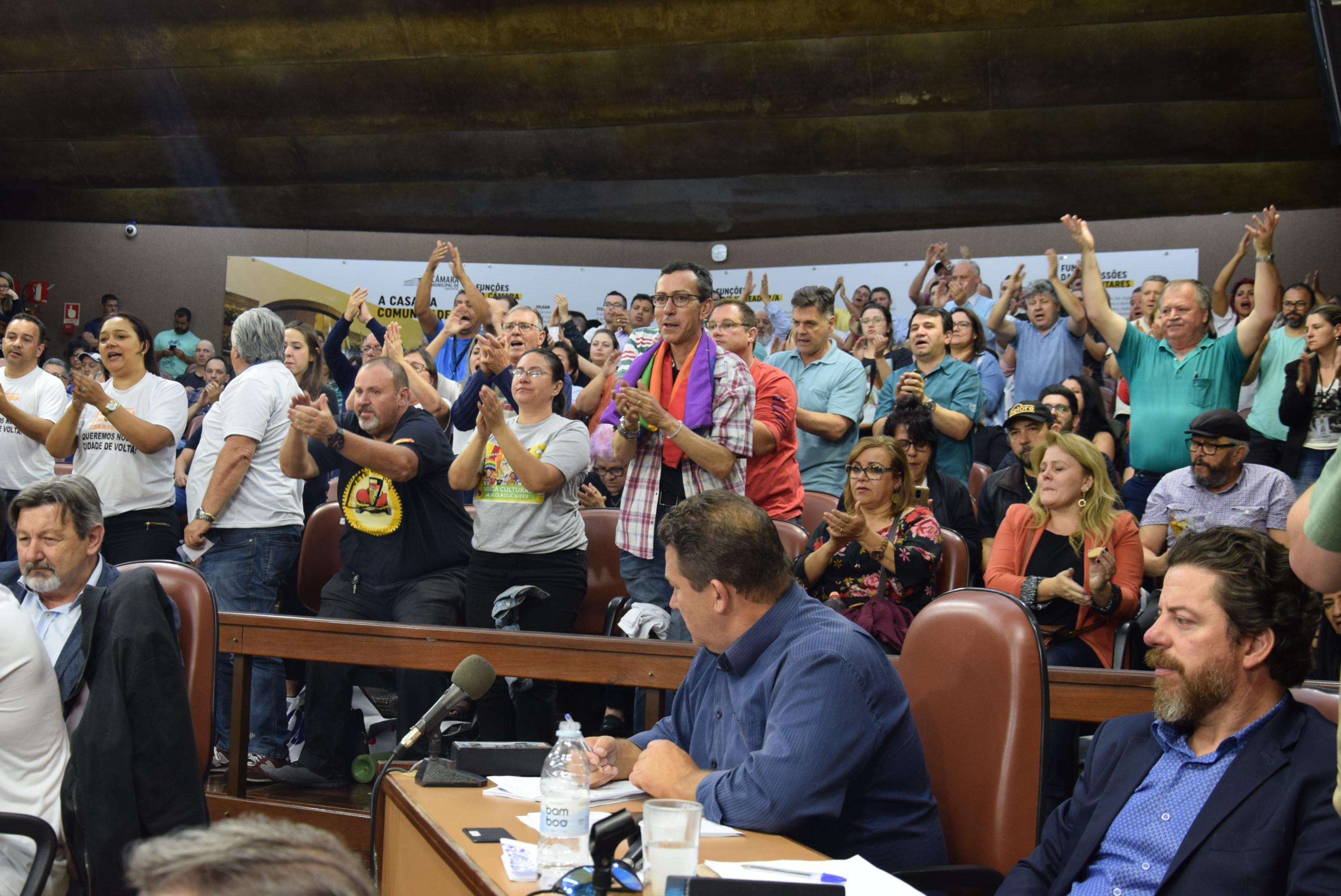 Câmara de Caxias delibera pela cassação do mandato do prefeito Daniel Guerra
