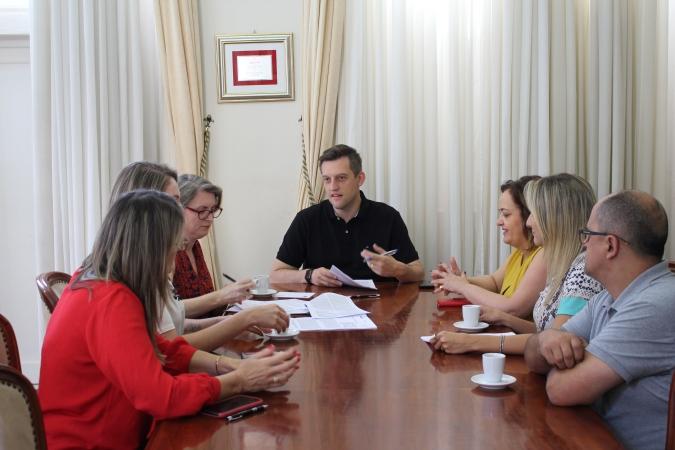 Assinada autorização para pavimentação de mais quatro ruas em Bento