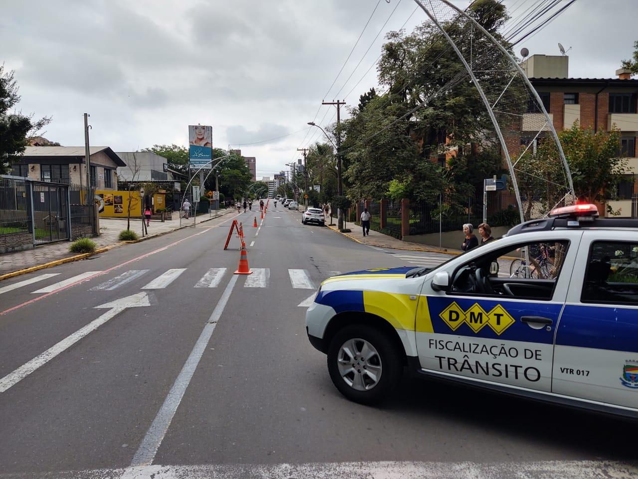 Trânsito é bloqueado com as Ruas de Lazer na região do bairro Planalto em Bento