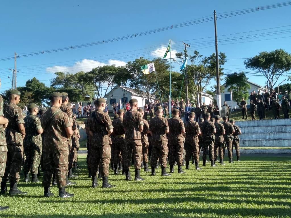 Militares do 6º BCOM que prestarão apoio na Cúpula do Mercosul realizam formatura