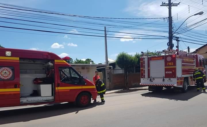 Bombeiros combatem princípio de incêndio no Progresso em Bento
