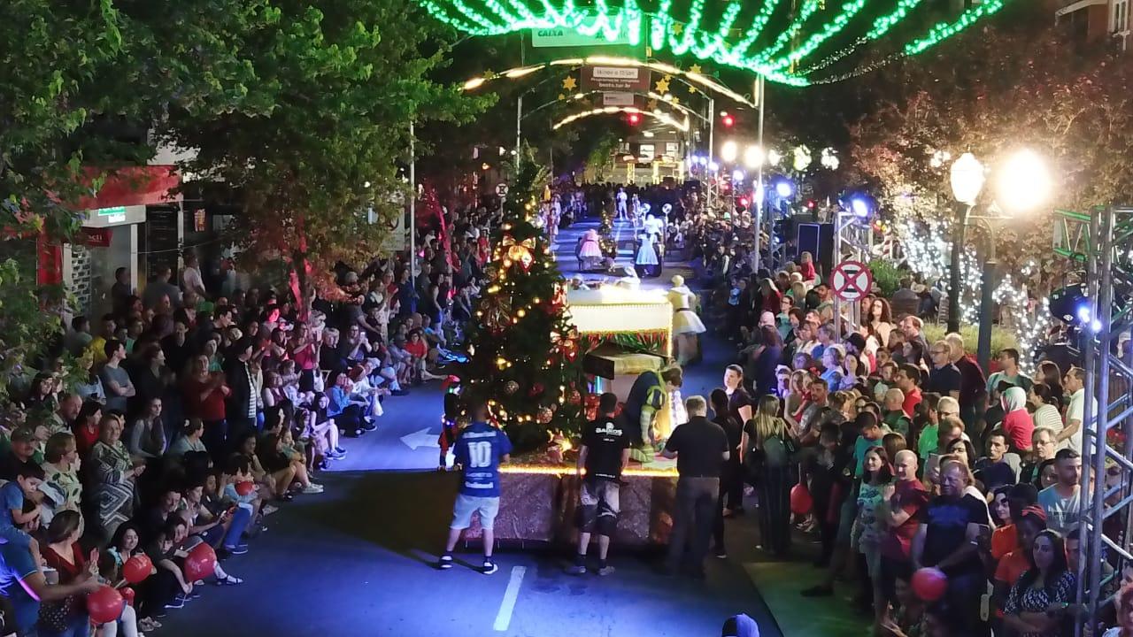 Desfile Alegórico Buon Natale em Bento é cancelado em virtude das chuvas