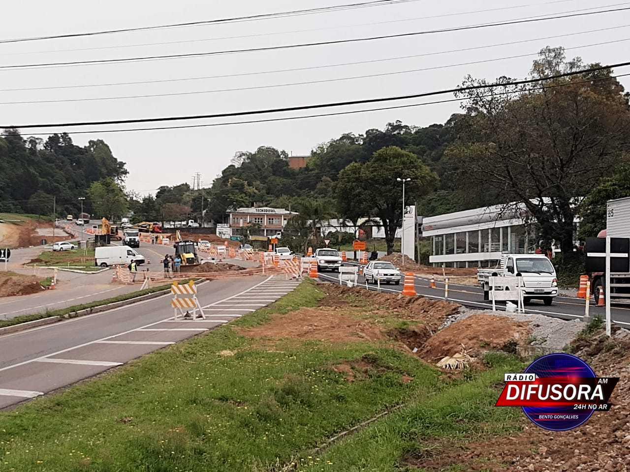 Desvio para construção de túnel em Bento já está liberado para o tráfego
