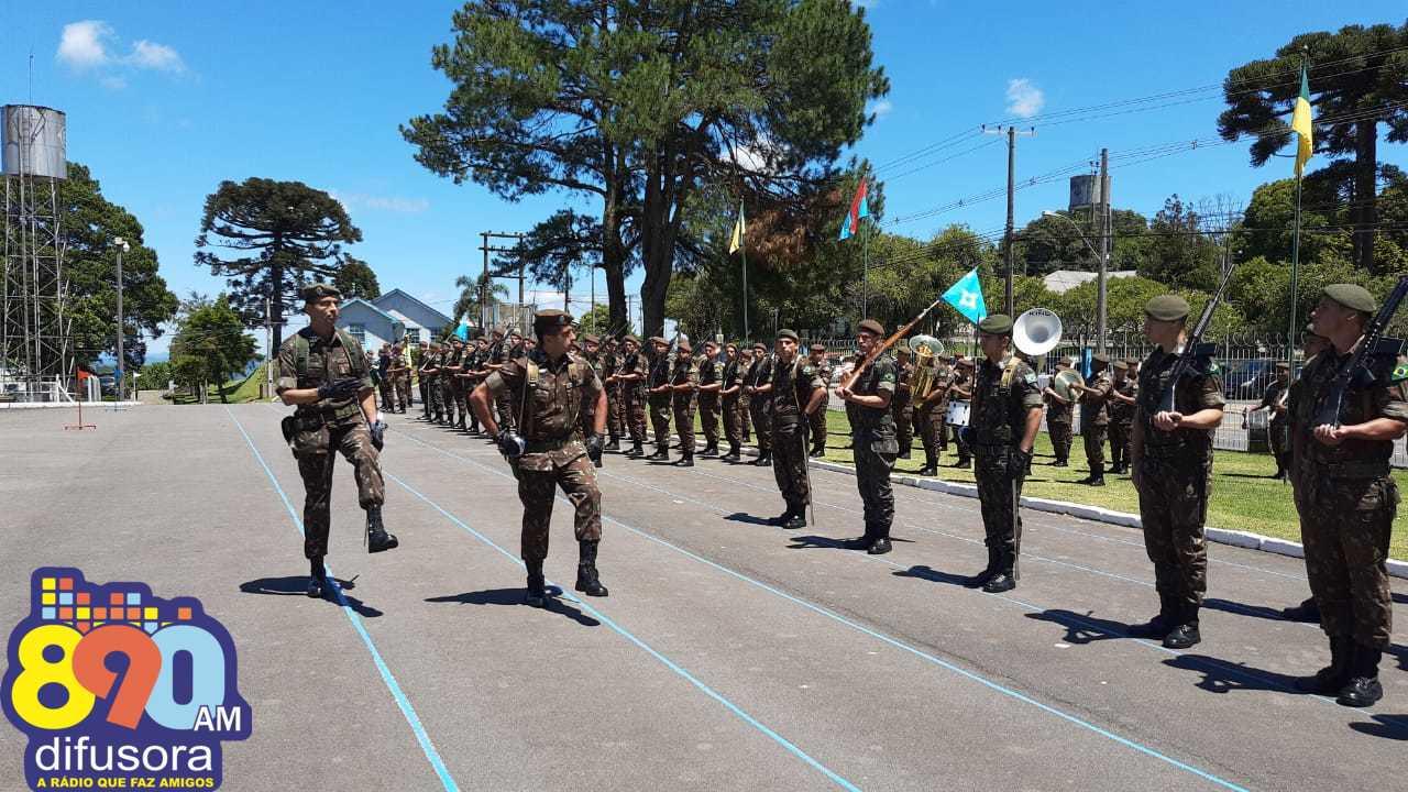 Solenidade confirma TC Alexandre Sales de Souza no comando do 6ºBCOM em Bento
