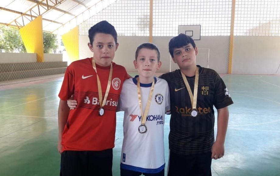 """Escolinha de Esportes de Cotiporã realiza escolha do """"Rei dos Pênaltis"""""""