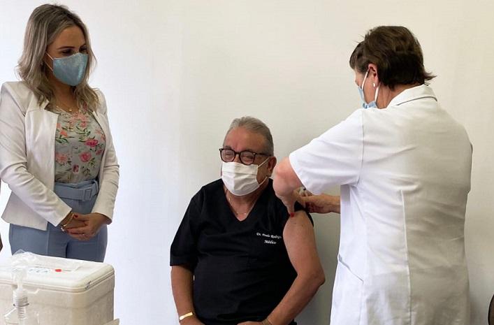 Inicia vacinação contra Covid-19 em Santa Tereza