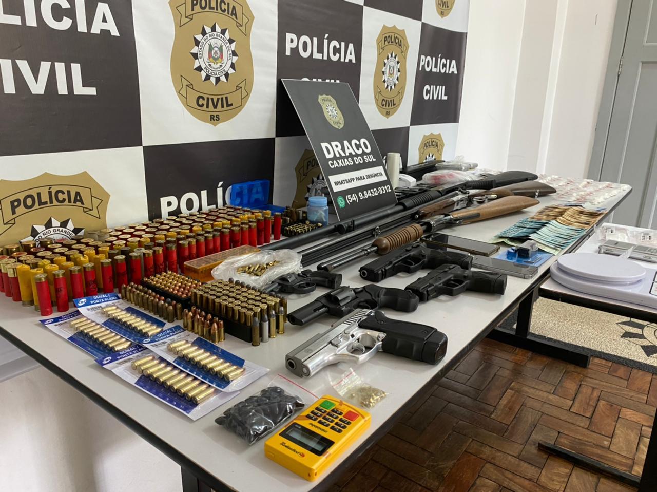 Operação Invicto, da Draco de Caxias, apreende armas e drogas
